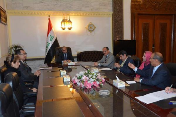 خلال الاجتماع باعضاء هيأة رئاسة مجلس شورى الدولة